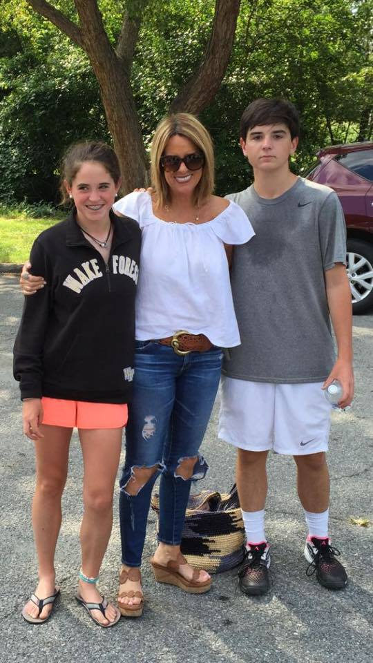 Jill Rhodes with her Two kids.