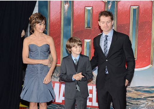 Stephanie Szostak and James Badge Dale at the premiere show of Iron-Man 3