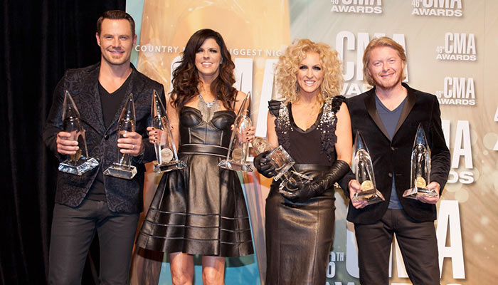 "Philip Sweet, Karen Fairchild, Jimi Westbrook and Kimberly Schlapman wins Group Video of the year for ""Better Man"" at CMT Awards 2017"