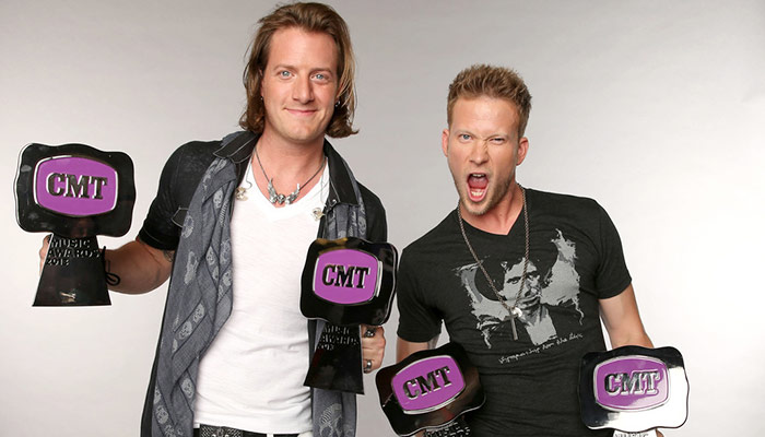 "Tyler Hubbard wins Duo Video of the year for ""H.O.L.Y."" at CMT Awards 2017"