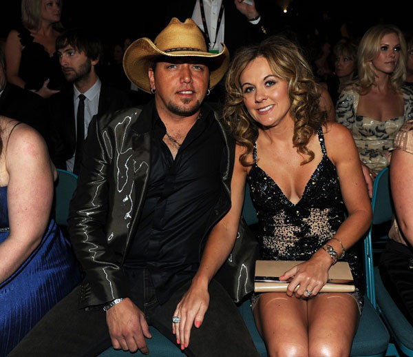 Jason aldean ex-wife is she dating