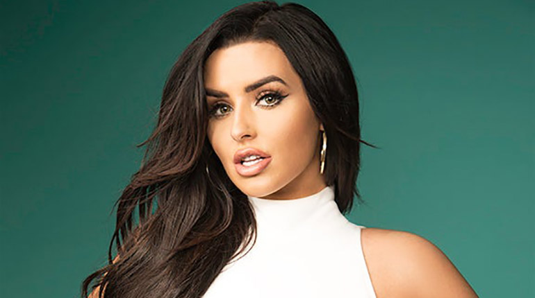 Is Hot Abigail Ratchford Dating A Mystery Boyfriend Her