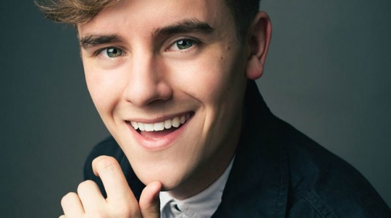 Does Connor Franta have a boyfriend? Is he dating Troye Sivan?