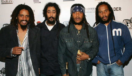 Damian Marley with his brothers Rohan, Stephen, and Ziggy Marley